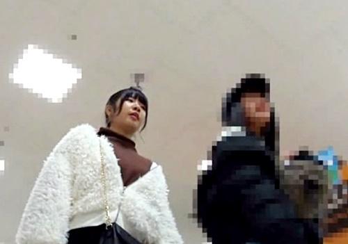 JC疑惑の3名の素人娘を逆さ撮りする「pants hunter」とかいう撮り師wwww(盗撮動画)