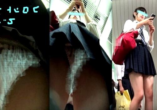 電車通学の超絶美少女JKちゃん、フロント全開パンチラを逆さ撮りされる災難に遭遇www(動画)