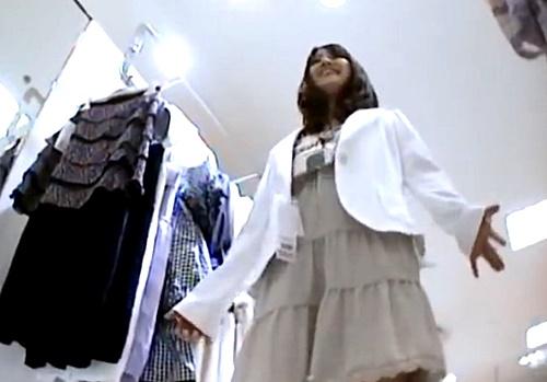 【Mr.研修生】超かわいいアイドル顔のアパレル店員さん、注文通りのドット柄パンティーww
