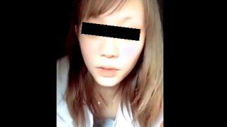 ハーフ顔美少女Kちゃん、自宅からのLINEライブで乳首ポロリを披露してしまうwwww