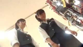 放課後の制服JKちゃん、ピンホールレンズでパンチラ逆さ撮り余裕でしたwwww