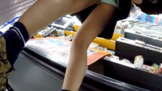 スカートめくりスキルMAXの撮り師、2名のJCちゃんでパンチラ盗撮テクを披露してしまう・・(動画あり)