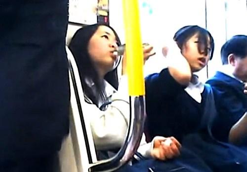 盗撮=ライフワーク となった有能撮り師『PSP』さんの制服JKパンツアラカルトとかいうシコい映像www