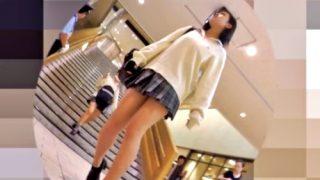 """天然度100% の美少女JK2人組の """"穿き古したおぱんつ"""" をWで逆さ撮りに成功したったwww"""