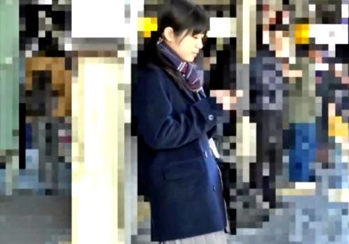 この激カワJKちゃんが電車で痴漢されてマ○コヌルヌルに濡らすとかエロすぎるよな・・(動画)