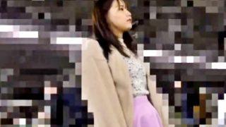 【動画】むっちりとした体型の専門学生、電車でプロ痴漢師の餌食になりパンスト破られて涙目イキ