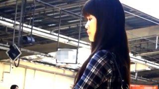 あの有名撮り師さん、JD~OL風美女たち6名を駅のエスカレーターでめくり撮り・・(パンチラ盗撮)