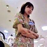 白網タイツがスケベなショップ店員さん、タイツの中身も白パンティーだったww【Mr.研修生】