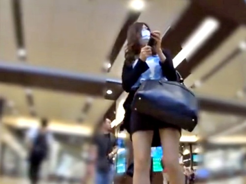ミニスカ女のパンチラ逆さ撮りしまくってきたから公開しておくwww【HD-zikadori】