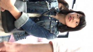 A○Bの横山○依激似の超絶美少女私服Kの逆さ撮りパンチラ。これ見てシコらない奴いんの?www【2JZ】