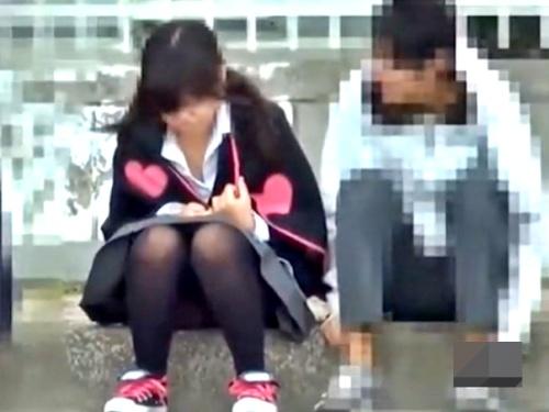 【長時間フル】強風の日は女子校の外でパンチラ盗撮に限るよなwww(18分54秒)