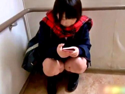 【個人撮影】初めての円光にド緊張した様子の美少女JKちゃんに性的いたずらするオヤジ