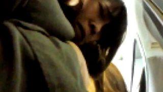 【犯罪注意】今まさに痴漢被害にあっている仕事帰りのOLさん、一部始終を隠し撮りされる(動画あり)