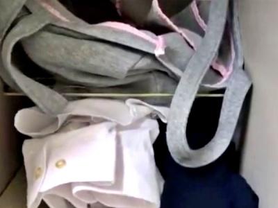マクナル店長、お気に入りのJKバイトの着替え盗撮だけでは気がすまずロッカーの制服を漁ってしまう犯行(動画)