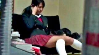 昏睡させた美少女に性的いたずら・レイプする「眠剤C学生」とかいうヤバい映像がこちら・・・