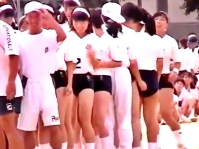 1996年の高校体育祭でのブルマJKの縄跳びを記録した貴重な映像がこちら(動画あり)