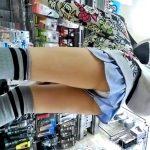 ニーハイキュロットのJSちゃん、逆さ撮りで白の綿ぱんつが丸見えになるwwww(盗撮動画)