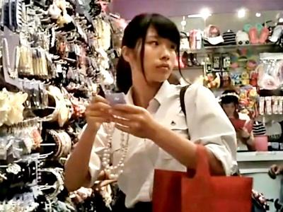 私服JC & 制服JK 計3名のフルバック純白ぱんつ3人分の逆さ撮り動画、破壊力バツグンすぎるwww