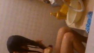 即削除アリ@変態「隣に住んでるJ○の無防備な入浴シーン盗撮してしまった・・・」(動画)
