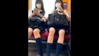 美少女JKの紺ハイソ美脚たまんねえ!→電車で6分以上対面盗撮した男の投稿動画がエロいと話題ww