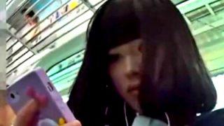 このレベルの美少女JKのパンチラ(ナプキン付き)って激しく抜けるよなwww(動画あり)