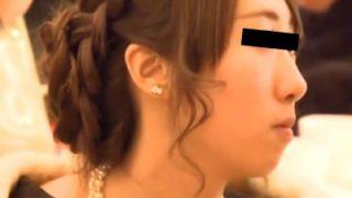 結婚式会場で着飾った美女たちがパンチラ盗撮されてる動画ってめちゃくちゃ興奮するよなwww