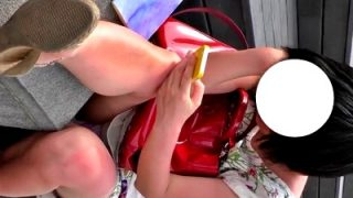 【盗撮動画】ティーンなワンピ娘のマン毛透けるお子様綿パンチラ、オカズに最適過ぎると話題www