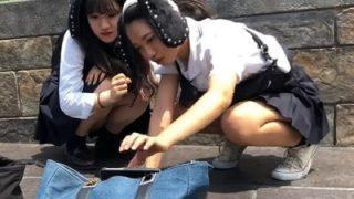 某アミューズメントパークで2人組JKに粘着してパンチラ盗撮したこの動画がヤバいwww